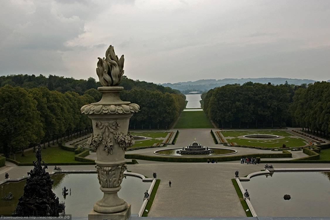 Замок херренкимзее, месторасположение и история