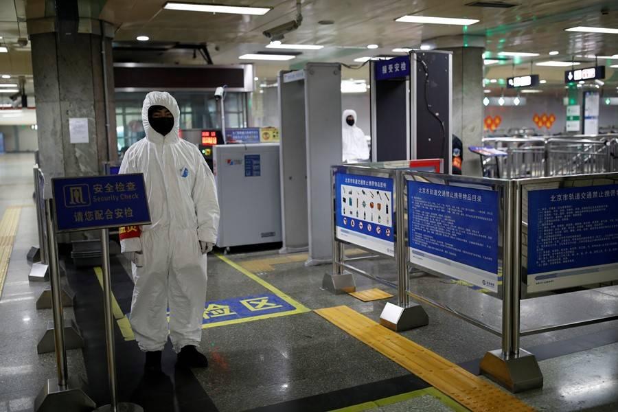 Гонконг открывает кафе, рестораны, салоны красоты и снимает большую часть ограничений