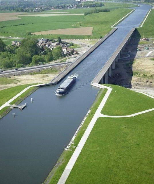 Магдебургский водный мост – один из самых впечатляющих водных мостов