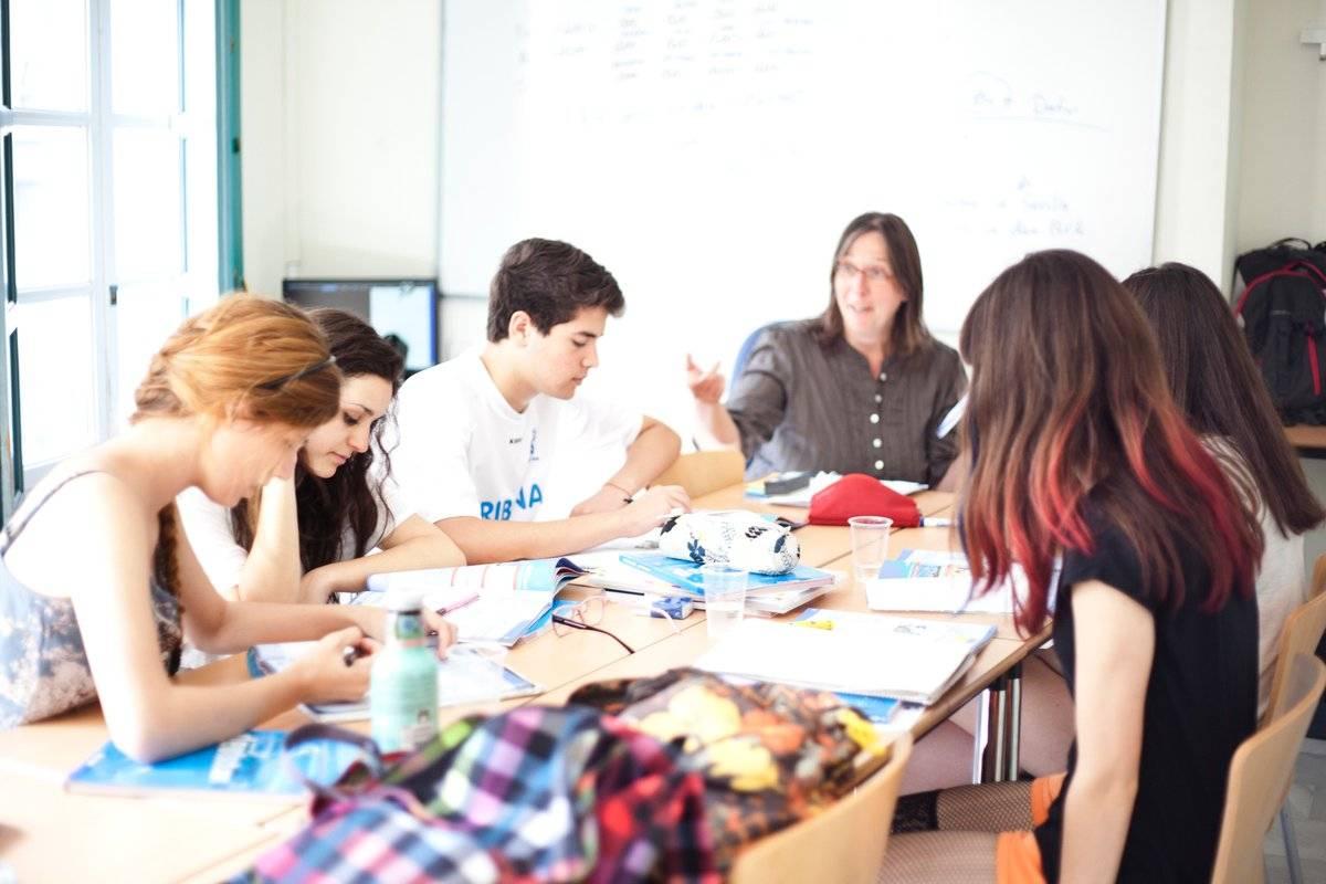 Испанопедия:  обучение детей в испании