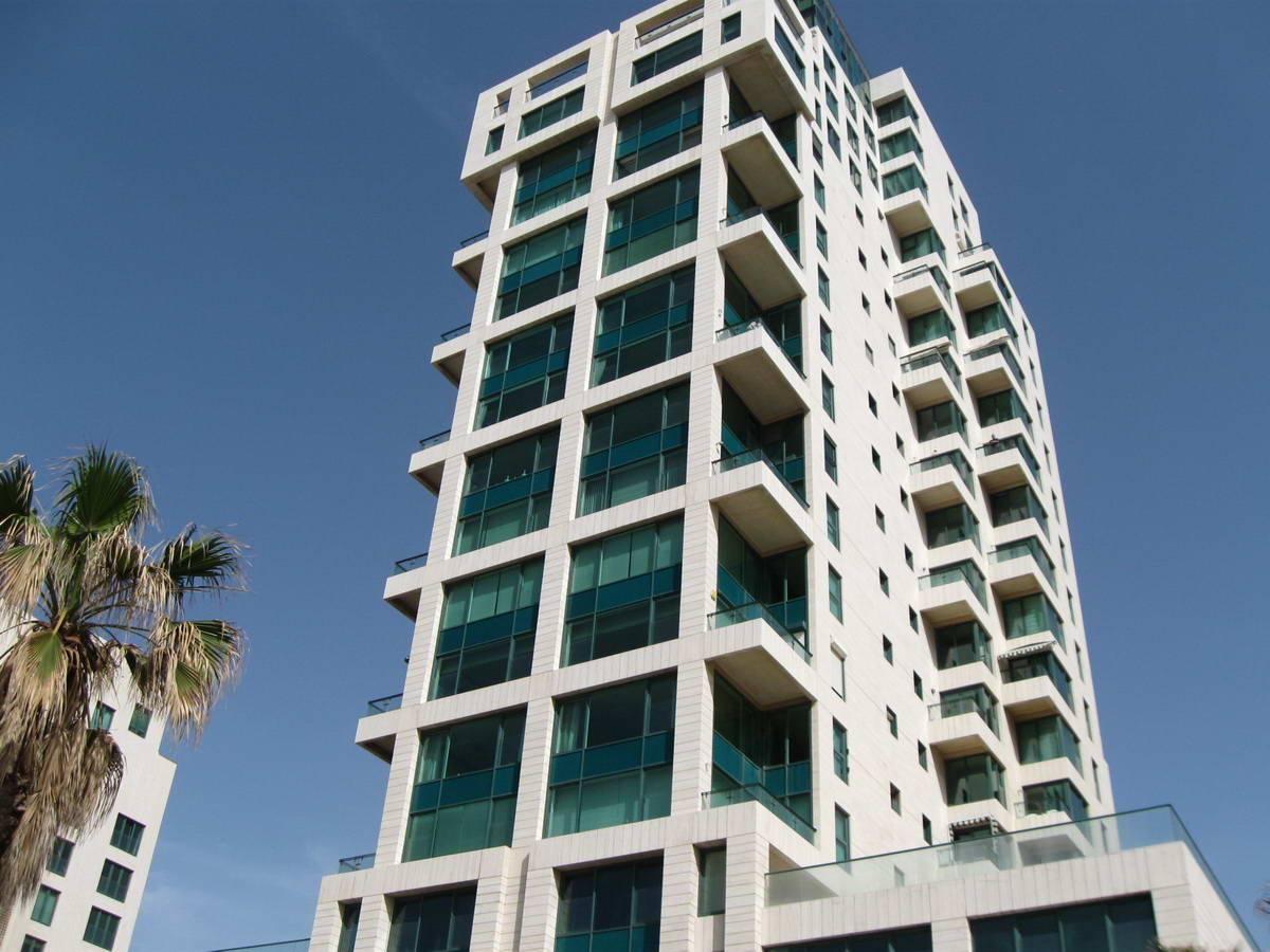 Как снять квартиру в израиле без маклера, через посредников: сколько стоит аренда на длительный срок?