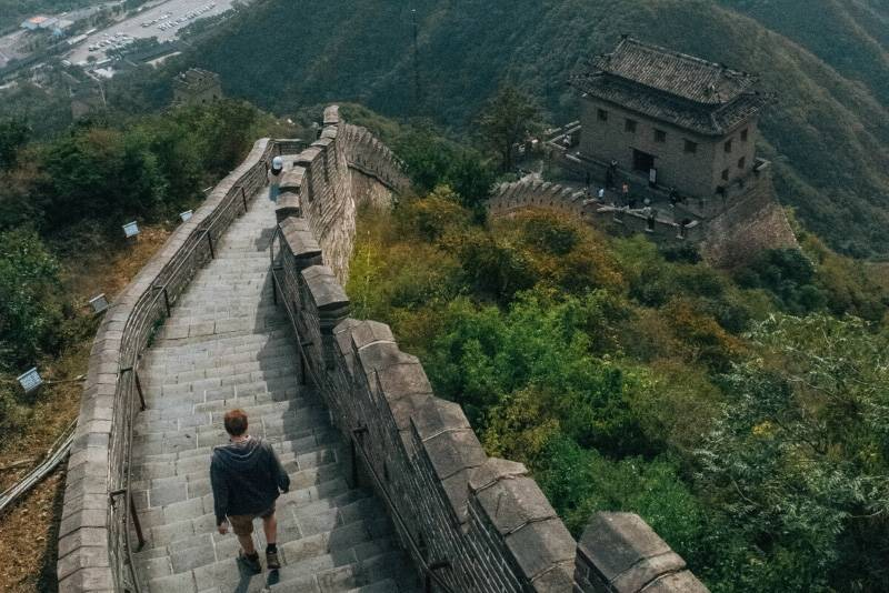 Зачем построили китайскую стену? причина
