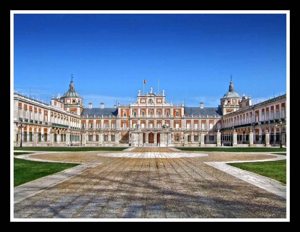 Королевский дворец в мадриде - обзор, история, фото   вся планета