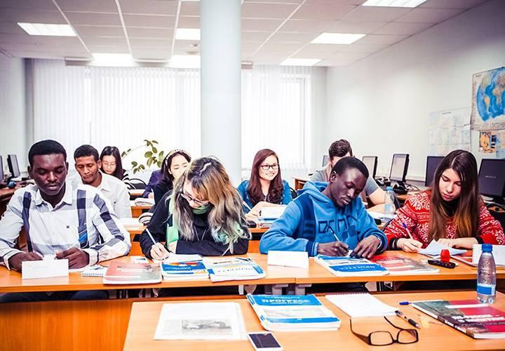10 стипендий для финансирования учёбы в германии