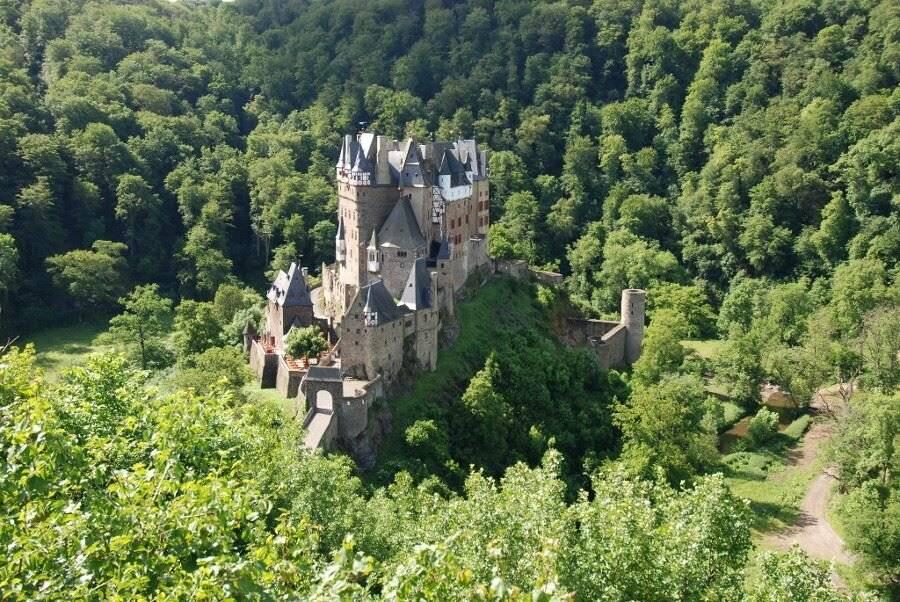 Почему стоит посетить замок эльц: один из самых красивых замков в германии