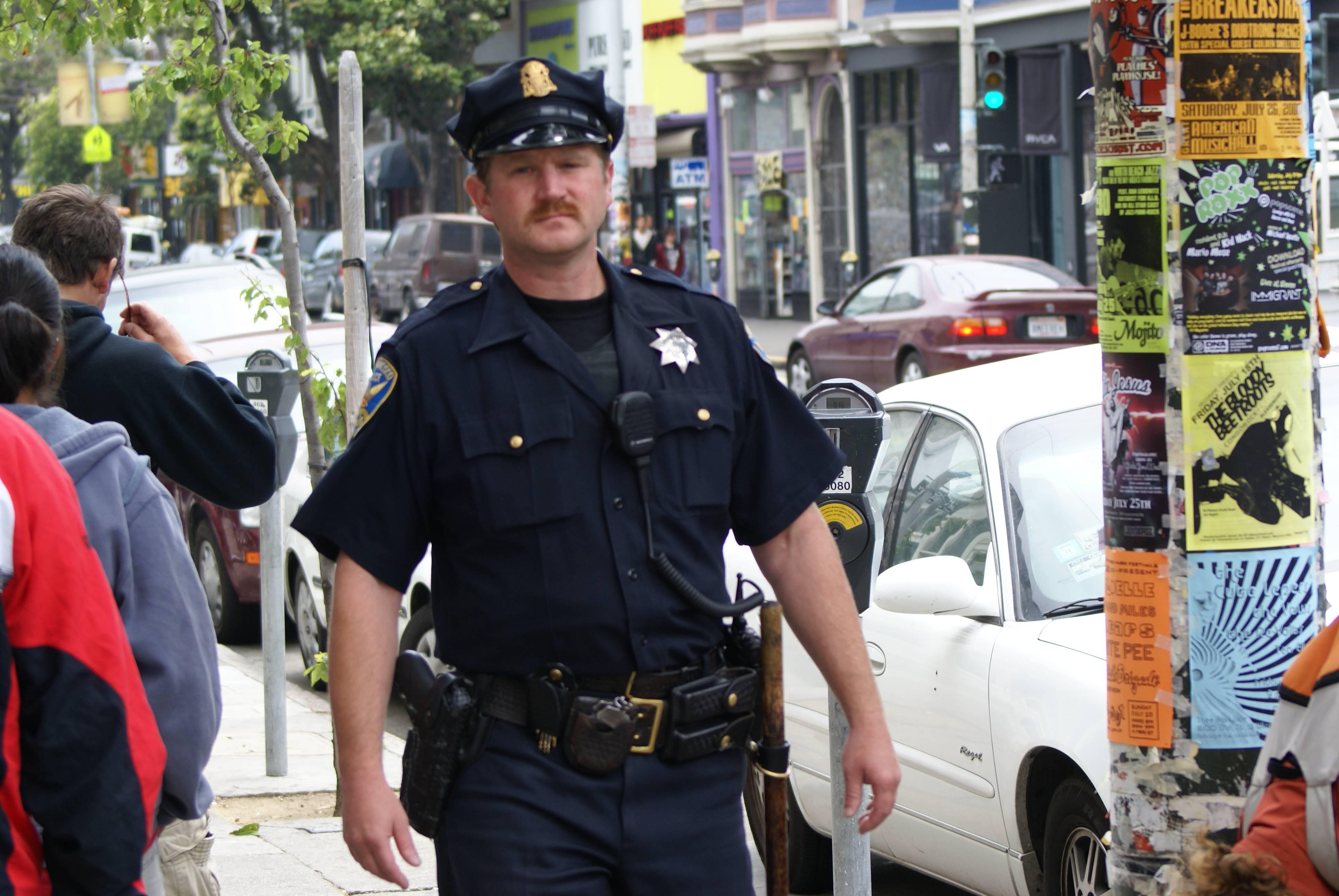 Все о полиции в США: как себя вести с полицейским, как самому им стать и сколько они получают