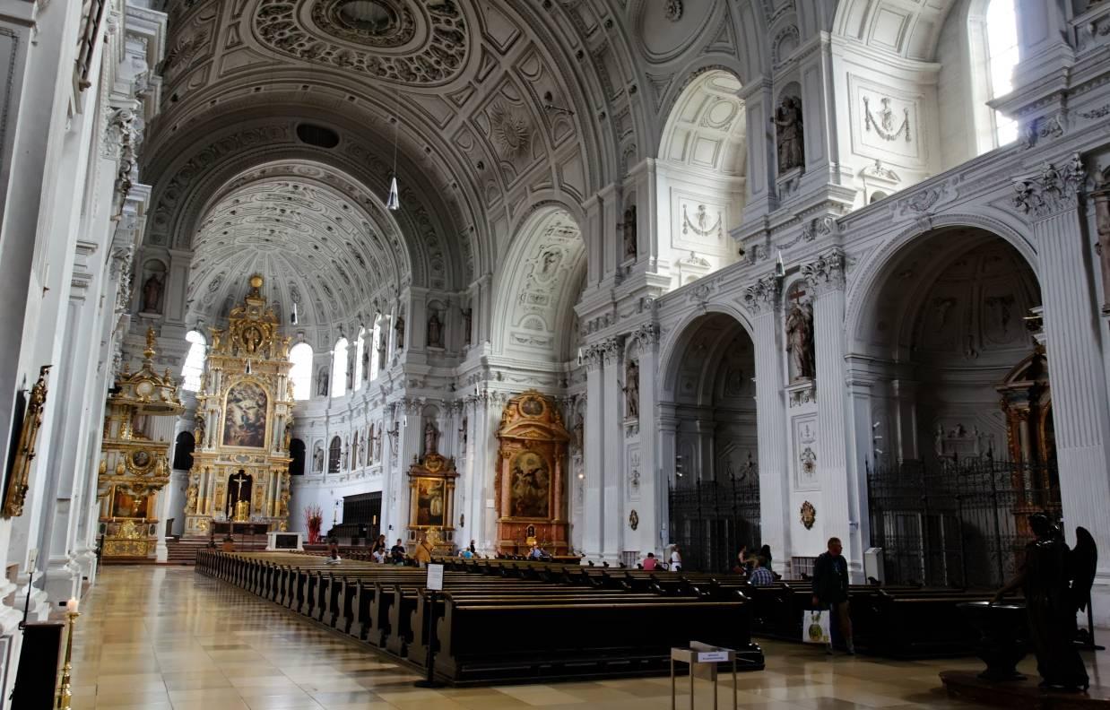 Церковь святого петра (нем. st. peter)