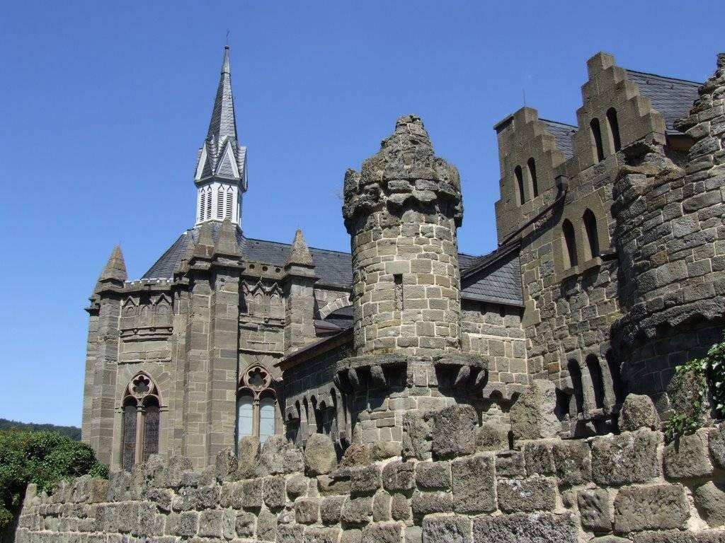 Руины замка лёвенбург - obotpuske