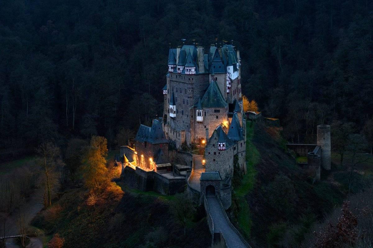 Замок эльц в германии – средневековая крепость невообразимой красоты