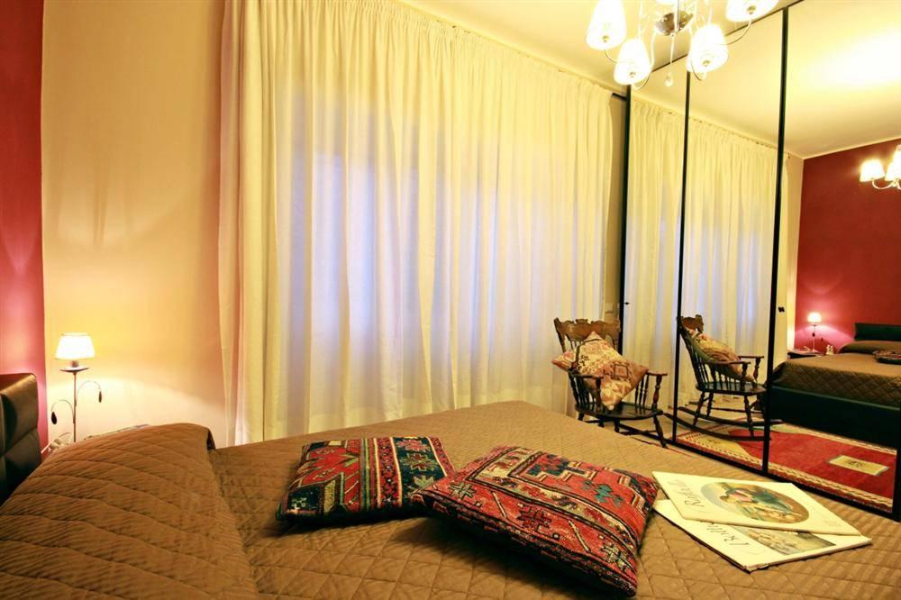 Посоветуйте квартиру или 3* гостиницу в центре рима (едем вдвоем).