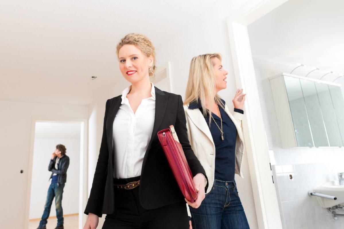 Как самостоятельно сдать квартиру в аренду посуточно? можно ли сделать бизнес на посуточной аренде квартиры: выгоды и риски - советы +видео