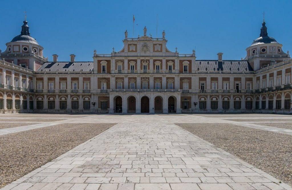 Королевский дворец в мадриде – резиденция монархов испании