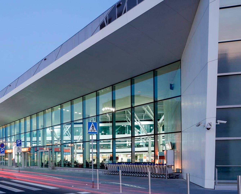 Аэропорт фредерик шопен, варшава, польша на карте: онлайн табло вылета-прилета, погода сейчас, схема, фото