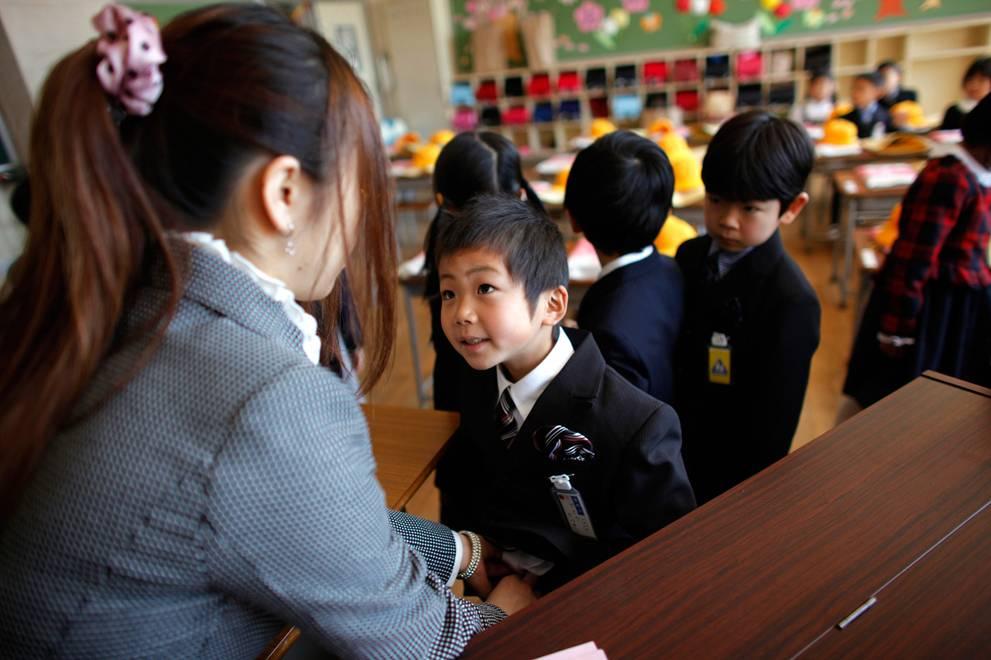 4 вида образования в японии: начальное, среднее, высшее, иностранцам