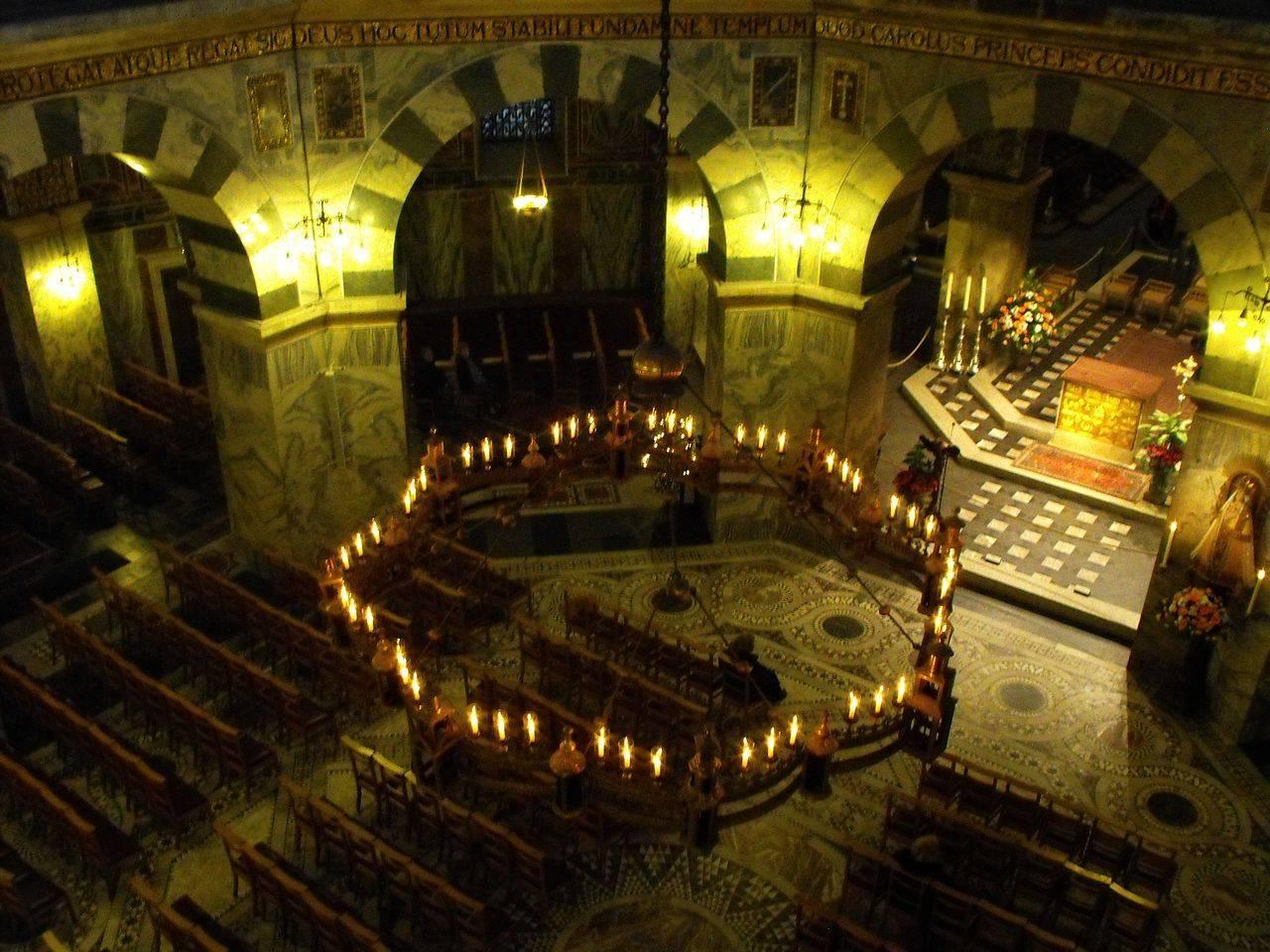 Великий дворец великого карла в ахене