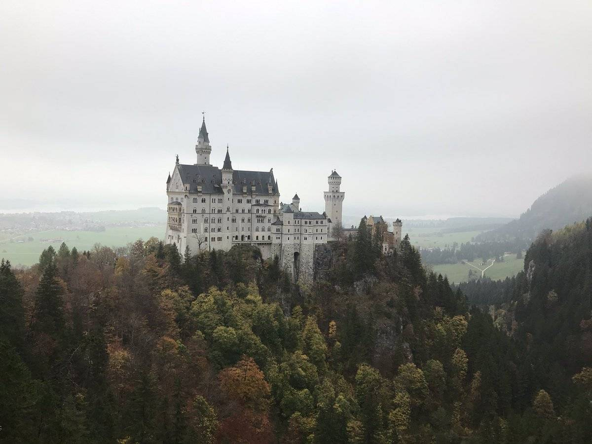 10 самых красивых замков германии: почему замок нойшванштайн считается самым популярным в европе