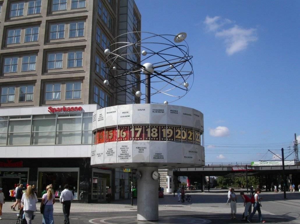 Площадь александерплац