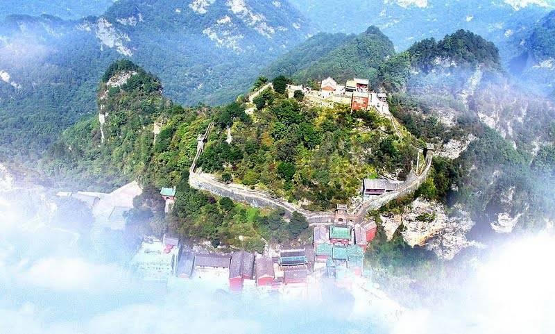 «только в особых случаях»: открыта ли граница китая с россией, разрешат ли въезд туристам весной 2021 года
