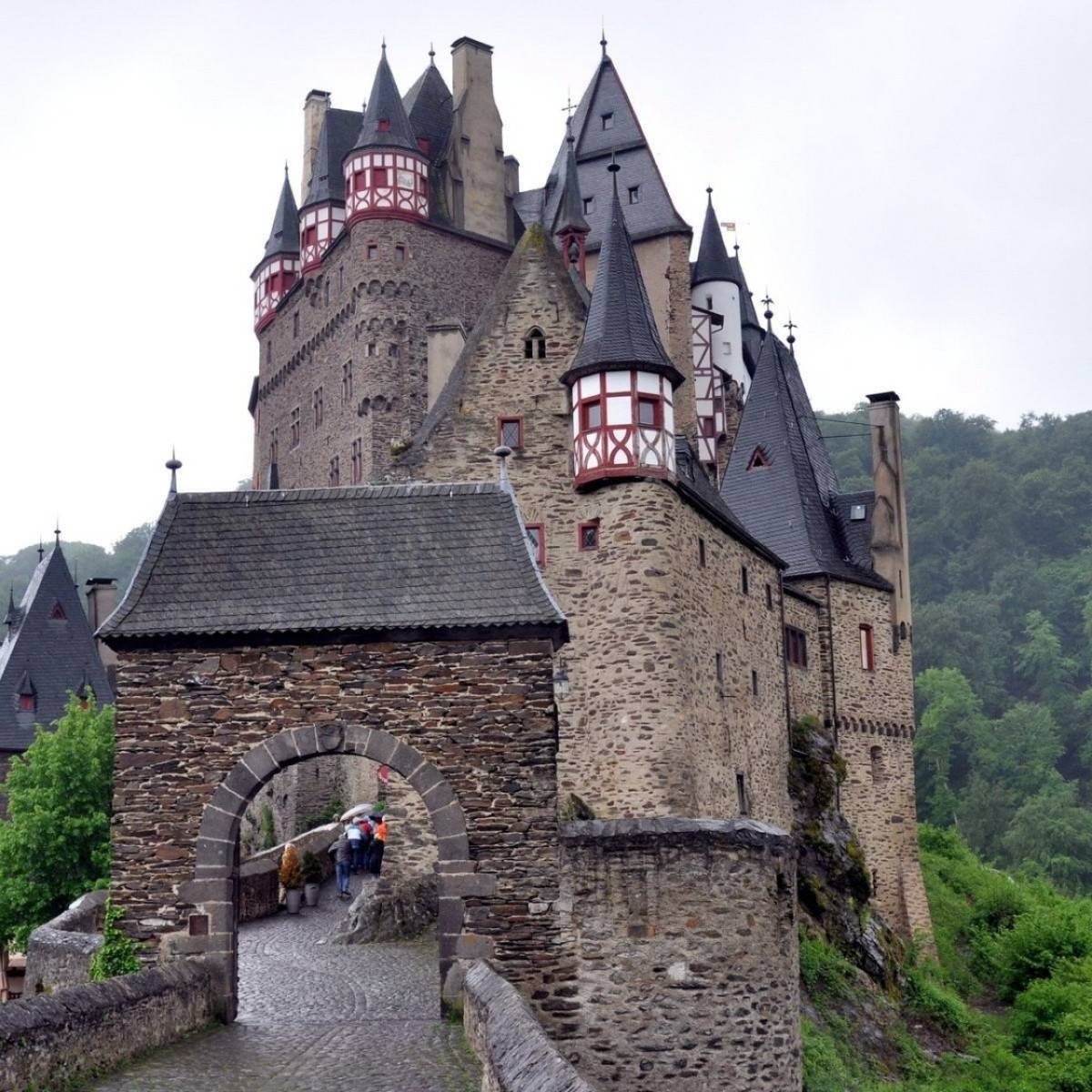 Замок эльц: объекты и достопримечательности — плейсмент