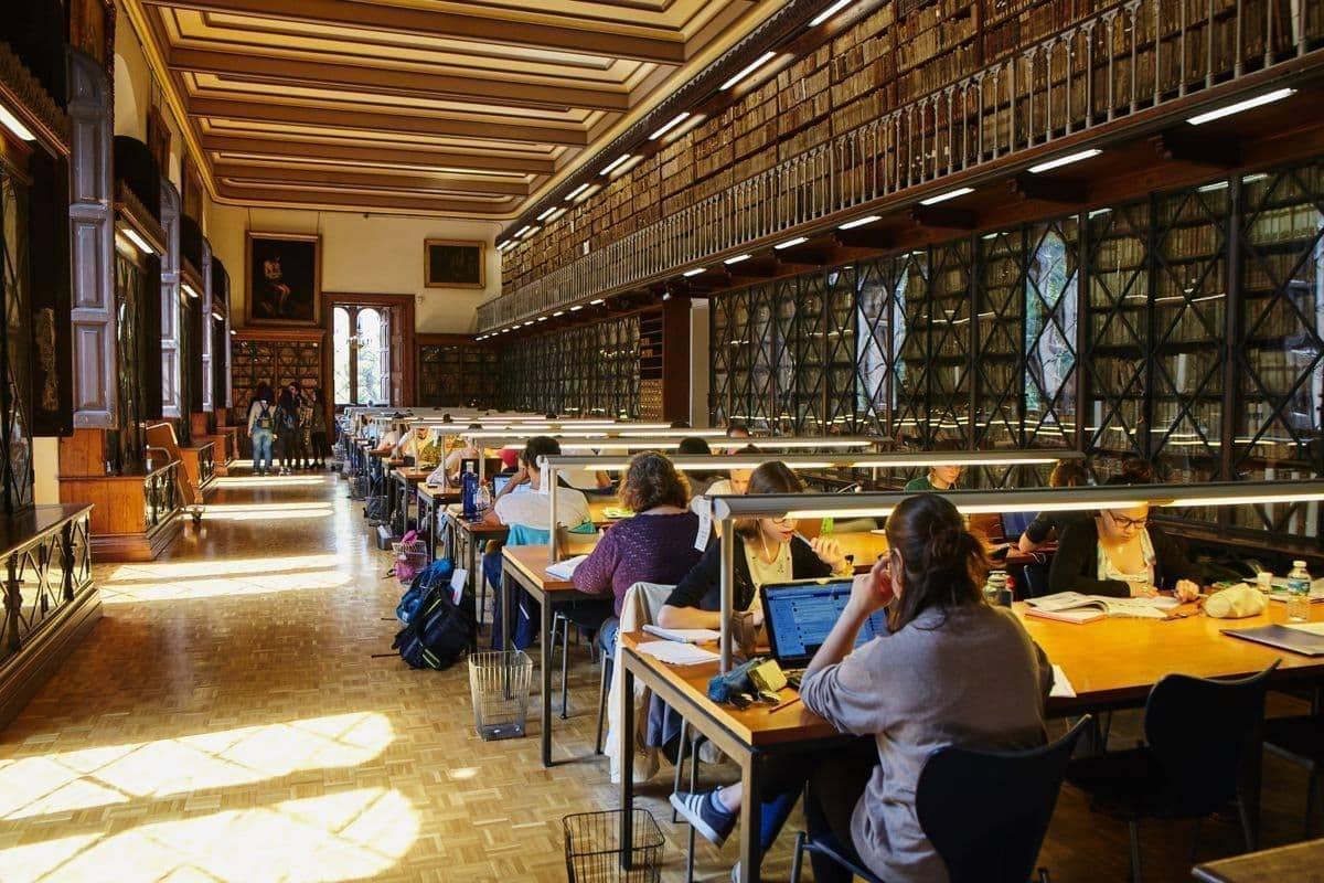 Образование в испании для русских: бесплатная учеба в государственных университетах
