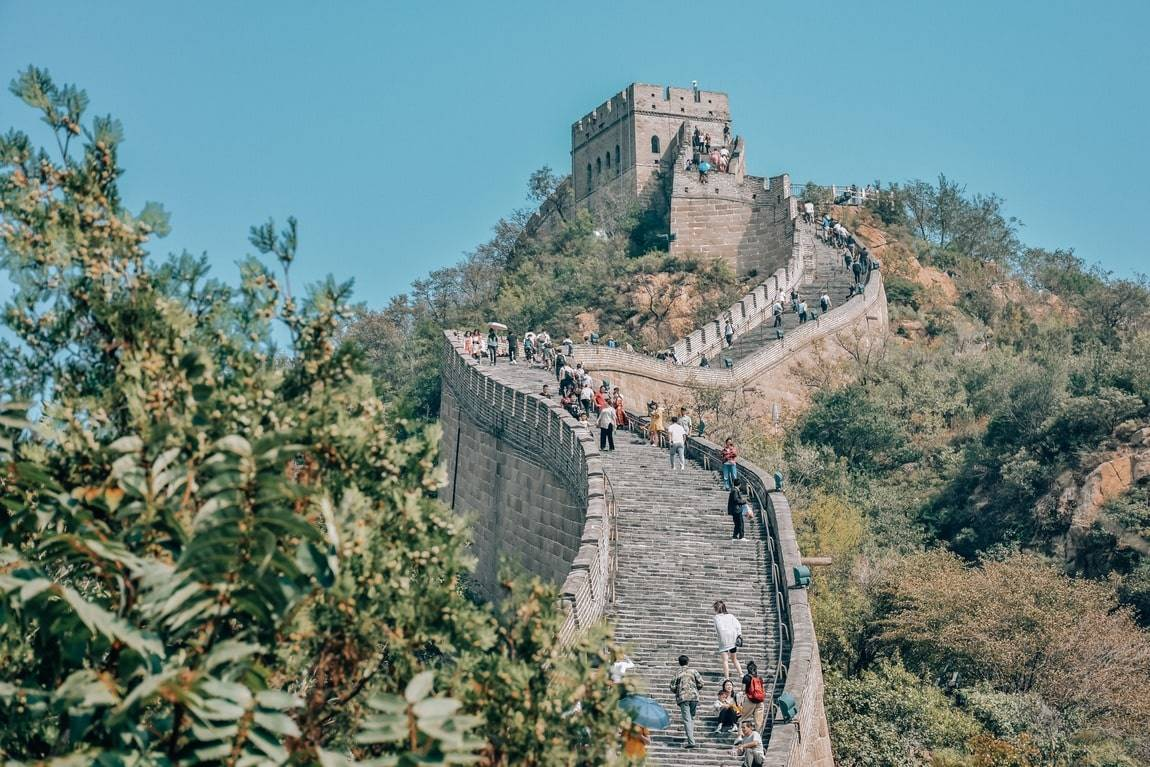 Почему бойницы китайской стены направлены на китай? история великой китайской стены