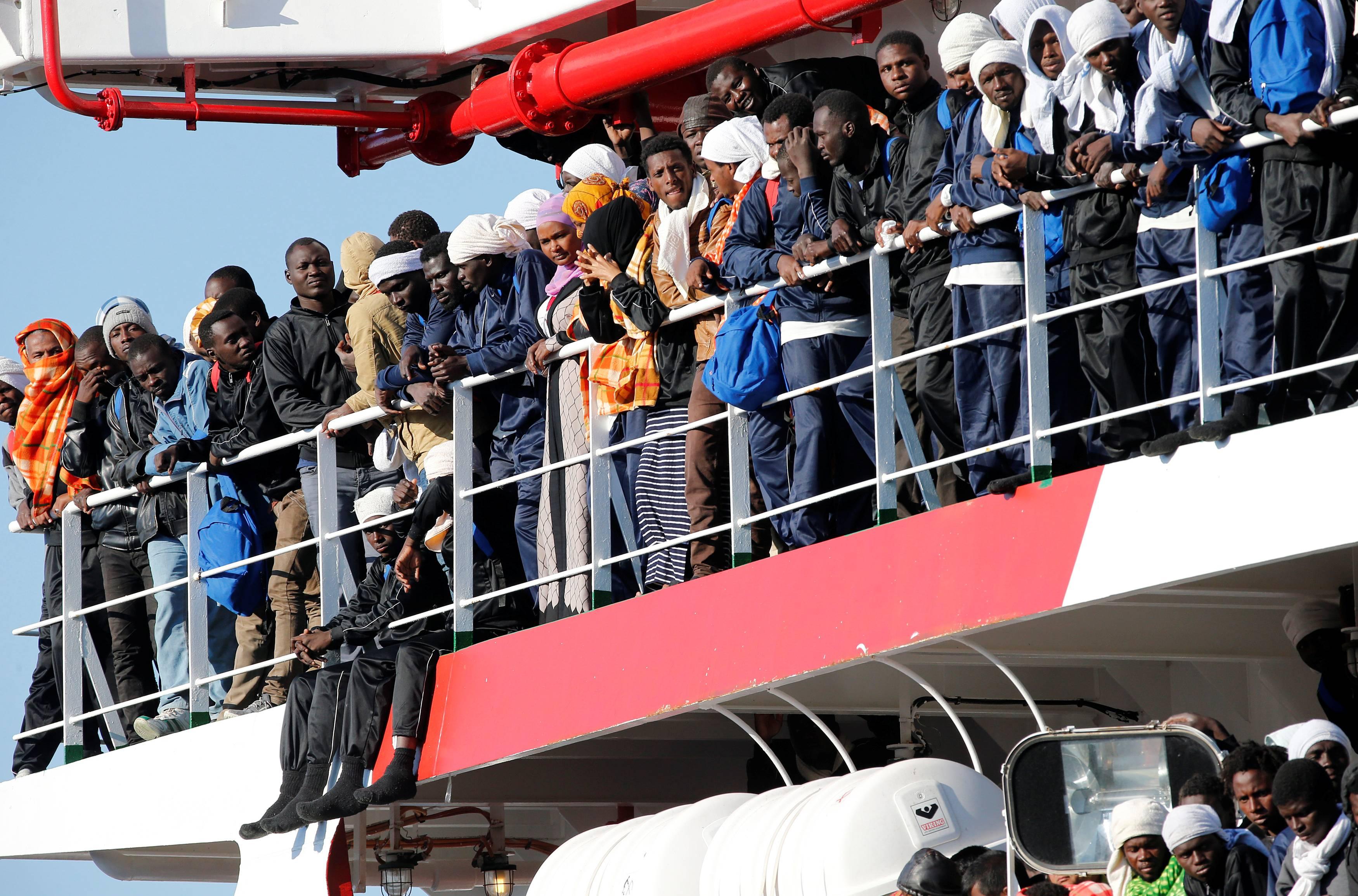 Положение беженцев в италии: жизнь в ожидании статуса