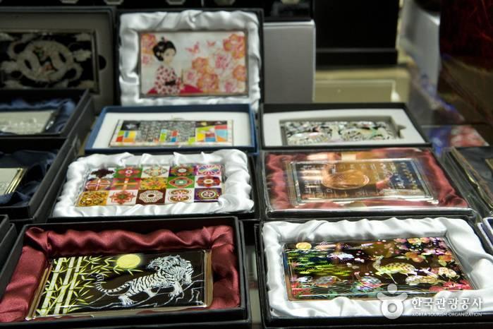 Что привезти из южной кореи: варианты подарков, приятные сувениры и советы по выбору лучшего гостинца