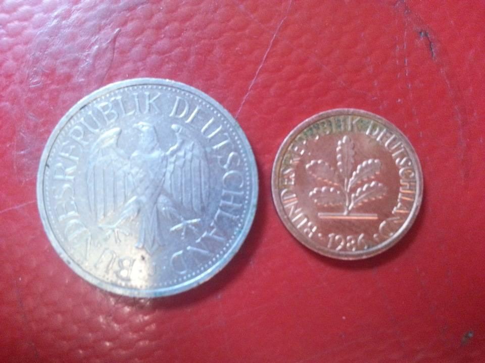 Евро (€)