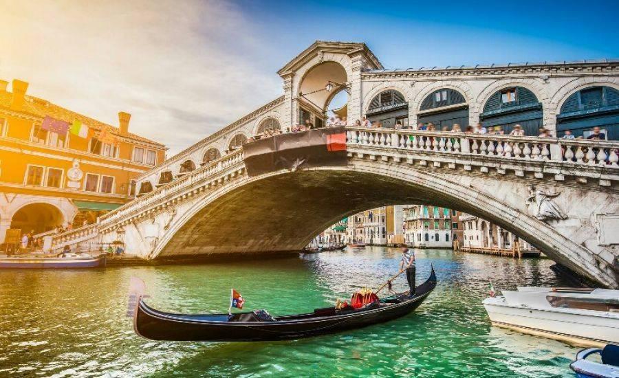 Как добраться из милана в венецию: поезд, автобус, такси, машина. расстояние, цены на билеты и расписание 2021 на туристер.ру