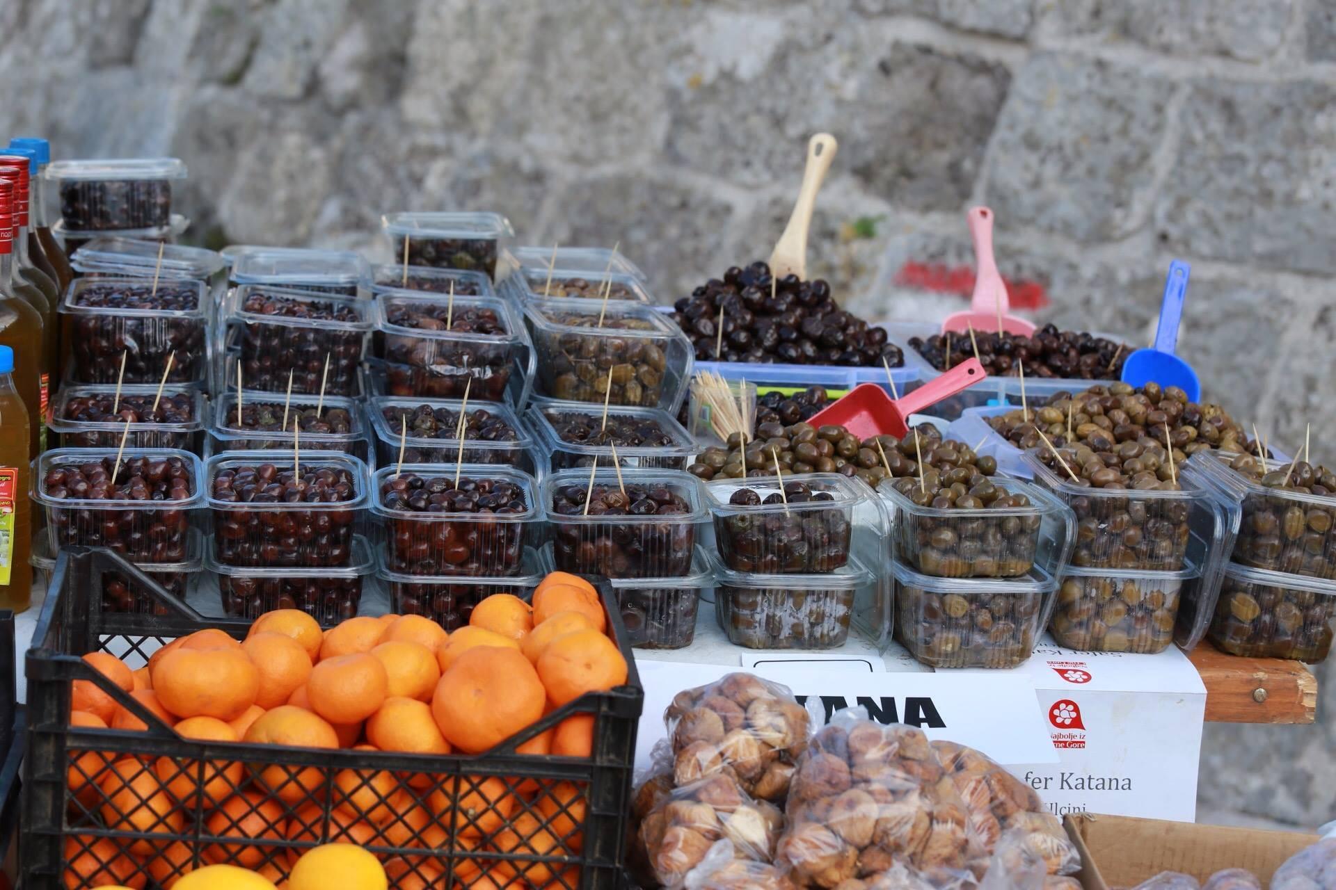 Какие сувениры и подарки привезти из черногории
