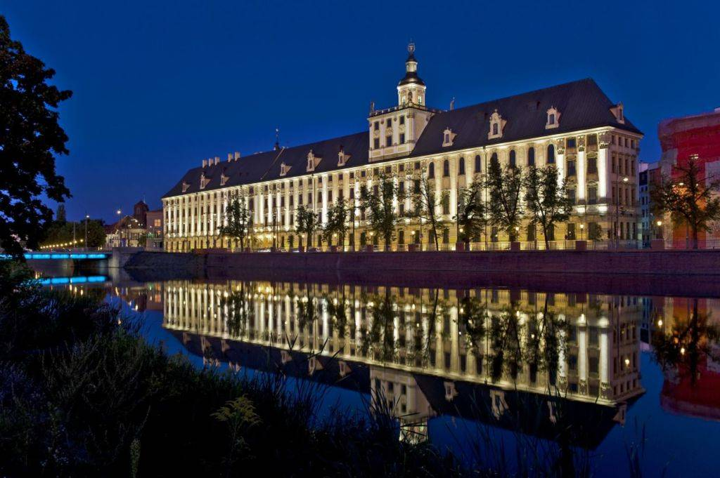 Условия и стоимость поступления в варшавский университет — лучший вуз польши