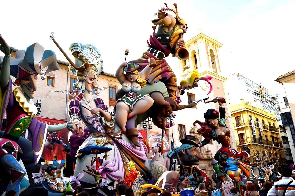 Культура питания испанцев: что кушают, где покупают продукты, традиции за столом