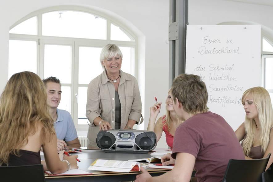 О германии: уровень жизни, иммиграция, медицина, работа, язык