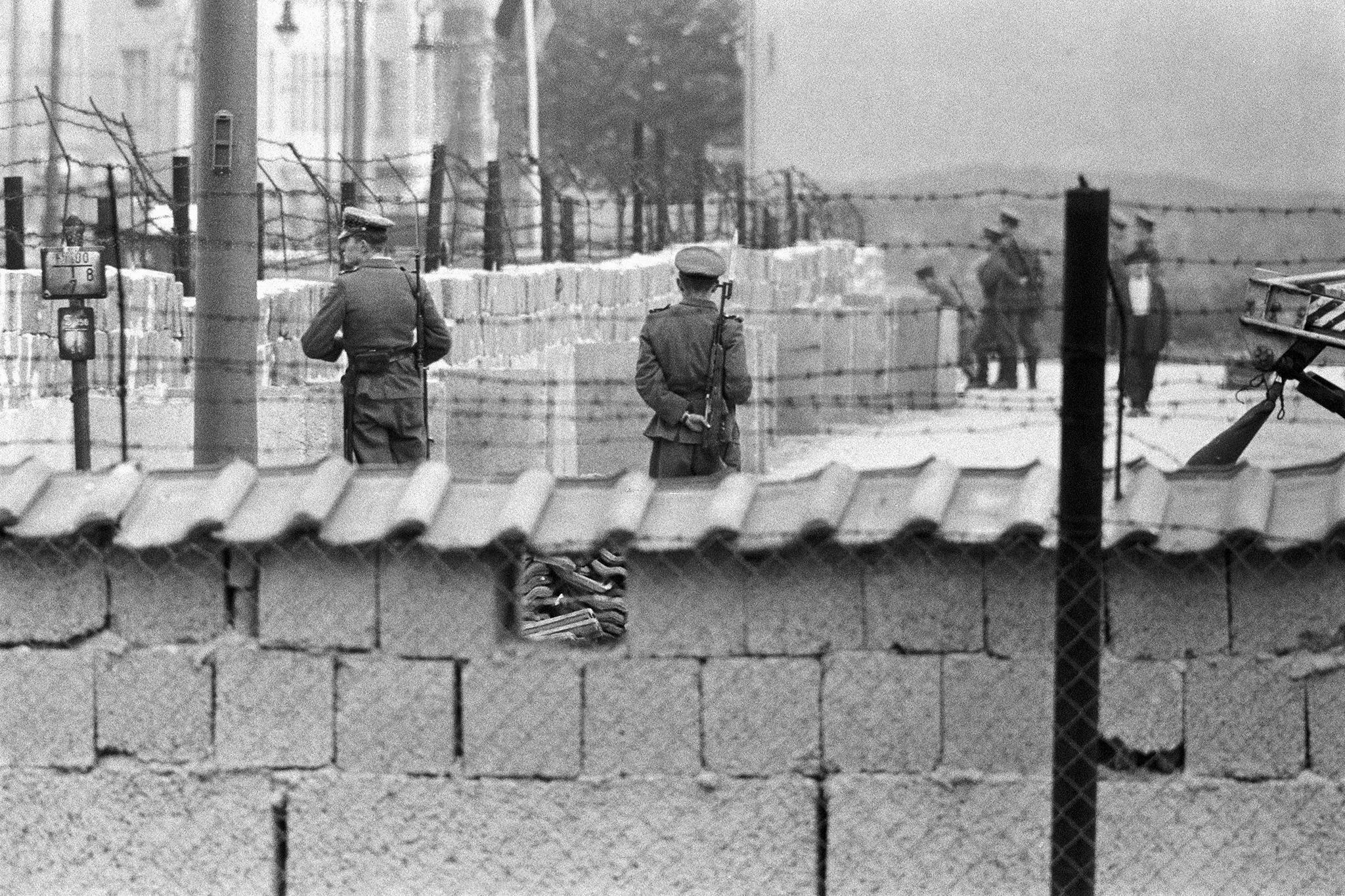 Берлинская стена: два города, два мира, две европы — история россии