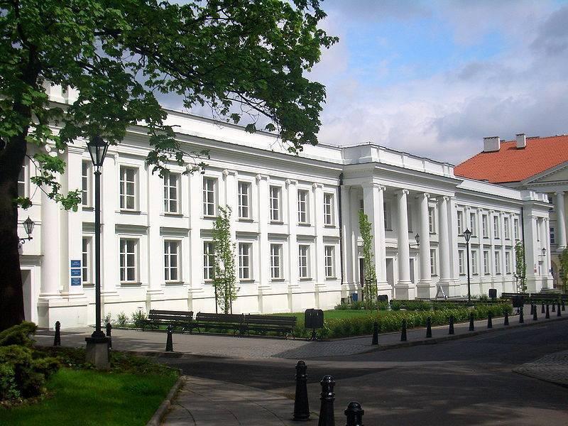 5 университетов варшавы:  список вузов, документы для поступления, престиж