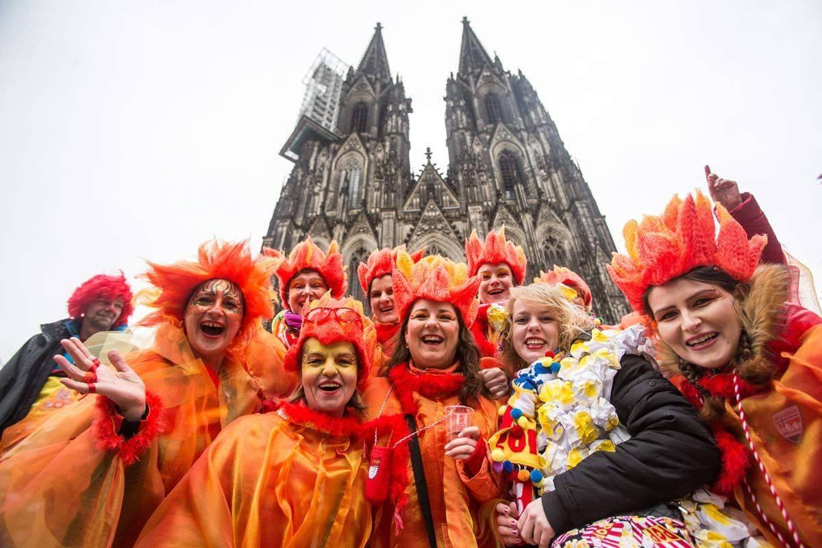 Кельнский карнавал - большой костюмированный праздник германии