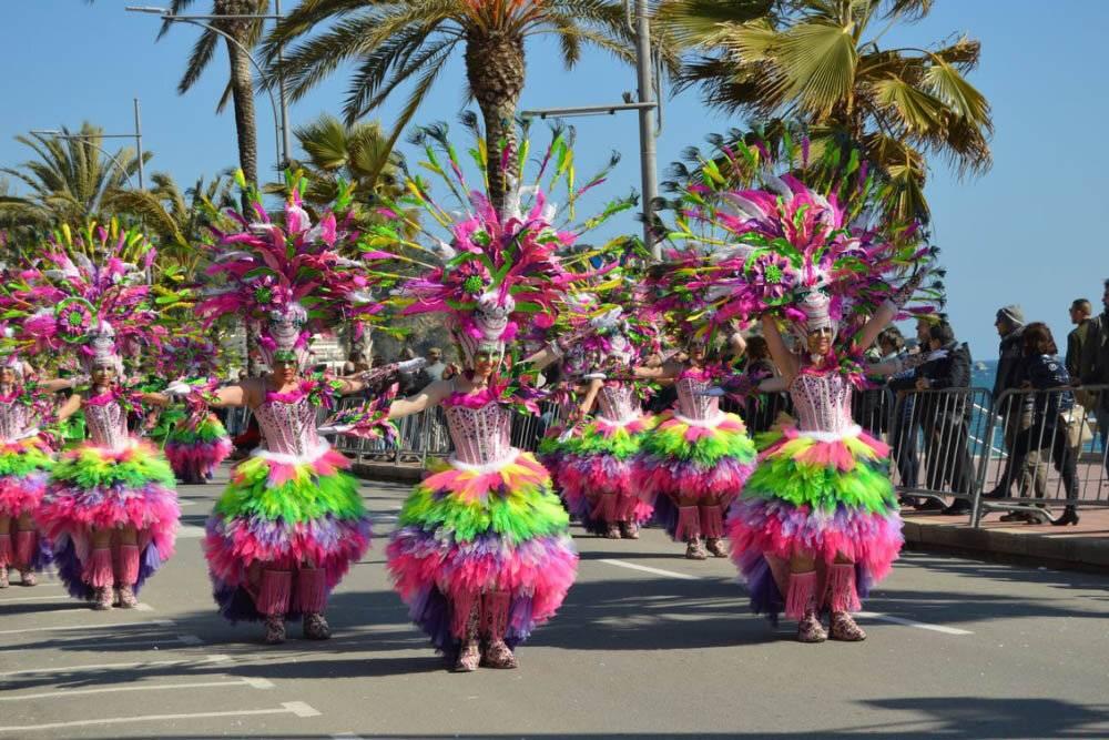 Яркие и красочные праздники в испании