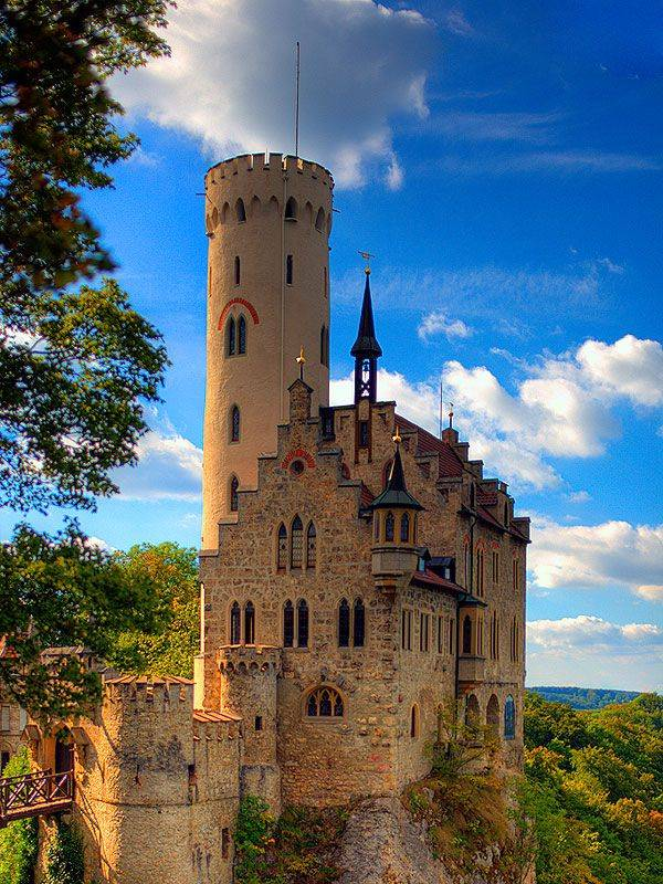 Великолепный замок лихтенштайн: сказочное место в реальной жизни