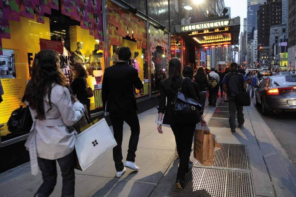 Woodbury common premium outlet в нью-йорке