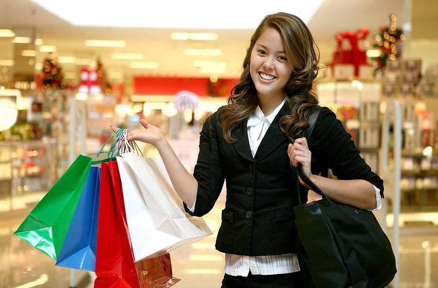 Как правильно закупаться в секонд-хенде и экономить на брендовой одежде