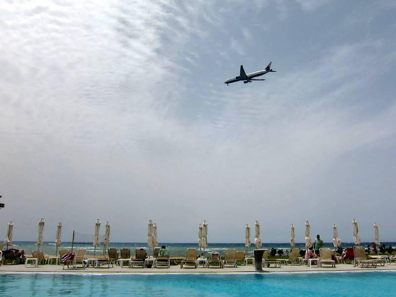 Возобновление международного авиасообщения на Кипре стоит ожидать не раньше 9 июня