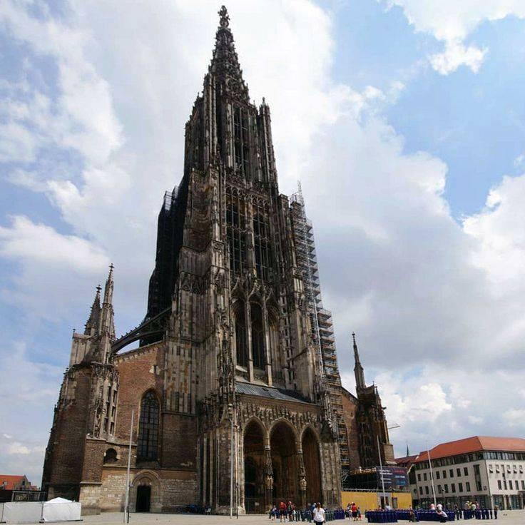 Ульм - самый высокий собор в мире. из мюнхена на электричке.