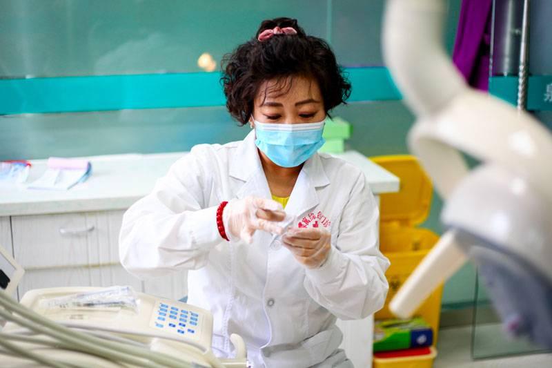 Как и где сделать зубы в китае: особенности, цены, лечение и имплантация