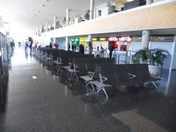 В какой аэропорт барселоны лучше прилетать