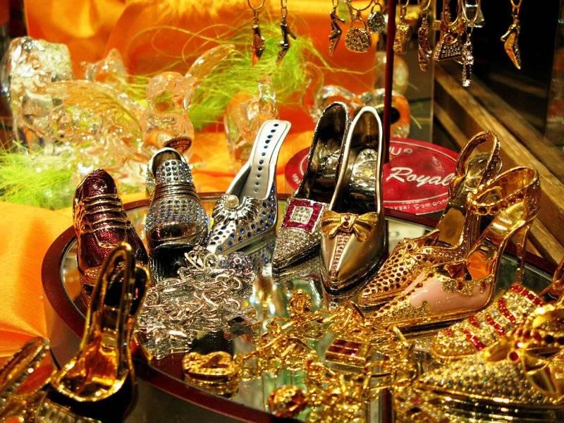 Топ сувениров, которые можно привезти из праги ᐉ прага лайф