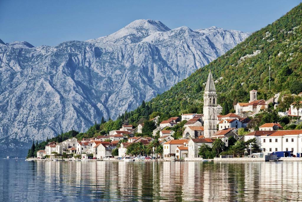 Язык черногории: на каком языке там говорят? какой является официальным? разговаривают ли в черногории на русском?