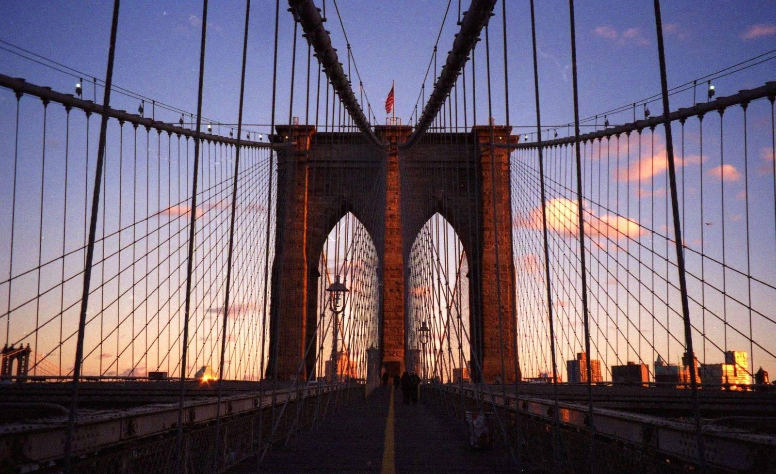 Бруклинский мост – старейшее украшение нью-йорка и его секреты