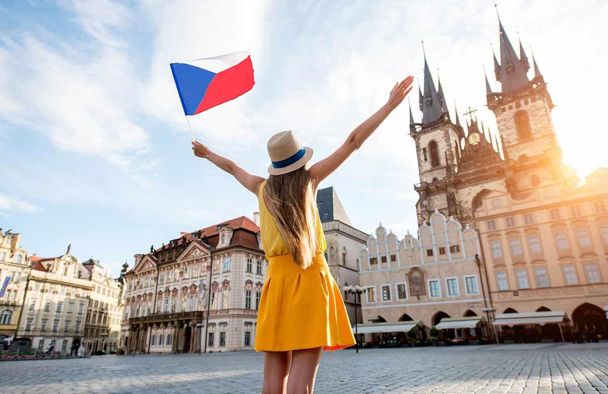 Виза в чехию для украинцев в 2021 году: оформление, документы, стоимость