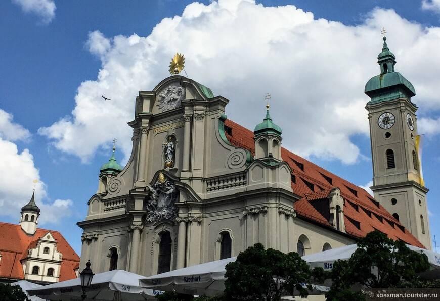 Старая ратуша мюнхена (altes rathaus)