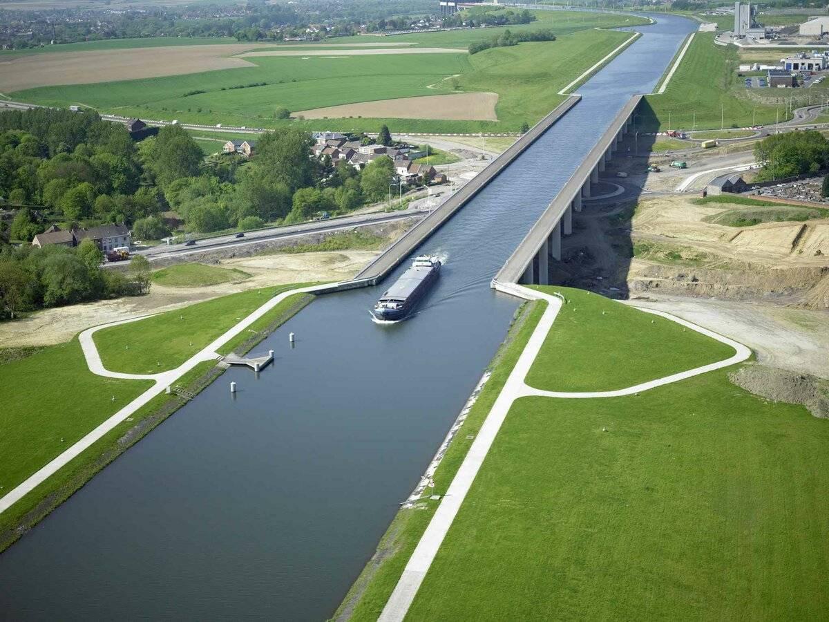 Где находится магдебурский водный мост чем он интересн? (видео)